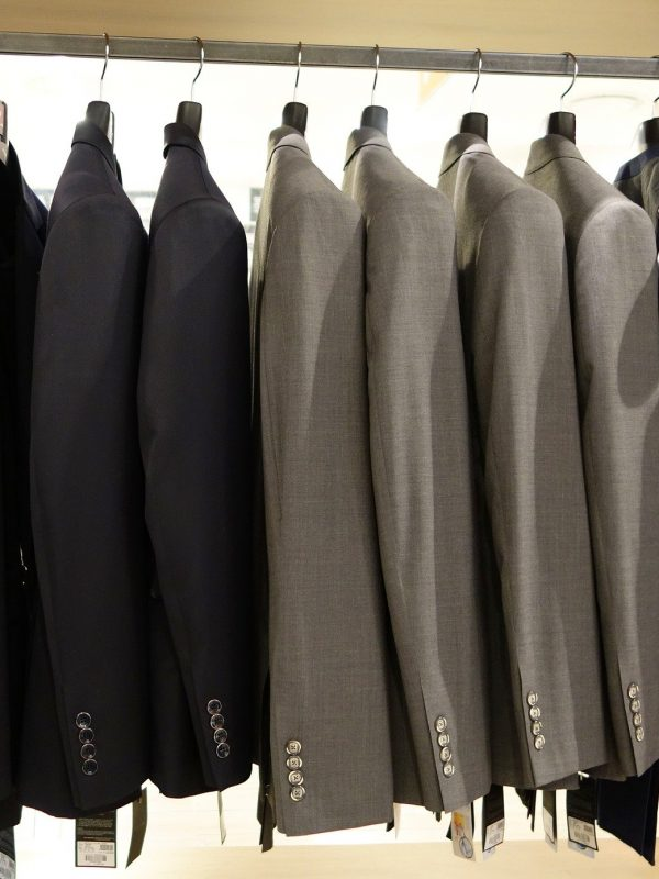 suit-714357_1920
